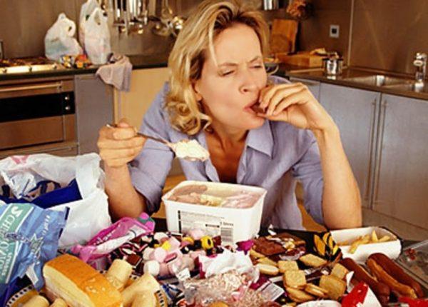 «Побочное» следствие эмоциональных встрясок – переедание