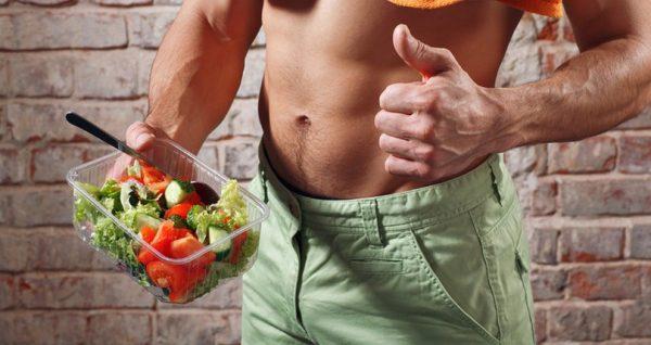 Во время тренировок, направленных на увеличение мышечной массы, необходимо соблюдать диету