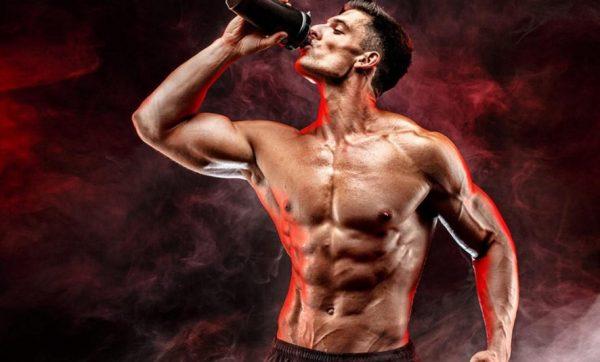 Прием протеиновых добавок помогает улучшить состояние организма и увеличить мышечную массу