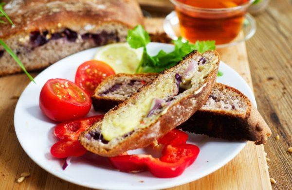 Бутерброд с гречневым хлебом