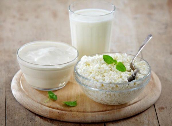 Для облегчения прохождения творожной диеты можно добавить к творогу кефир