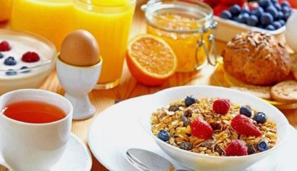 Рацион диеты №5 состоит преимущественно из вареных, запеченных и тушеных блюд