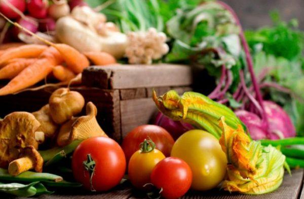 Крестьянская диета способствует остановке развития целлюлита благодаря употреблению клетчатки и низкоуглеводных продуктов