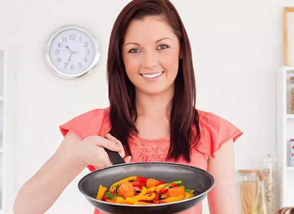 Диета с исключением либо ограничением легкоусвояемых углеводов рассчитана на уменьшение веса и нормализацию функционирования организма