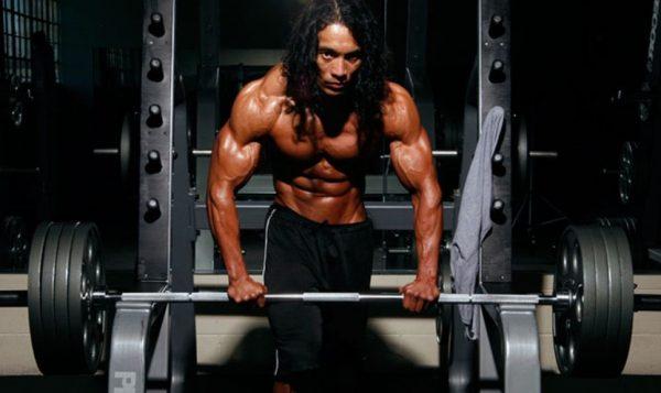Чтобы нарастить мышечную массу, недостаточно прости прийти в спортзал и начать жать штангу
