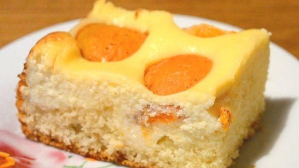 Диетический творожный пирог с абрикосами
