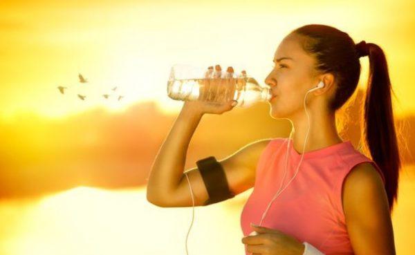 Главная рекомендация – пить воду, исходя из потребностей.