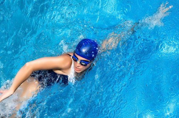 Чем больший вес пловца, тем больше калорий он сможет использовать
