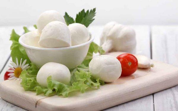 Калий, входящий в состав сыра, помогает в восстановлении сердечно-сосудистой системы