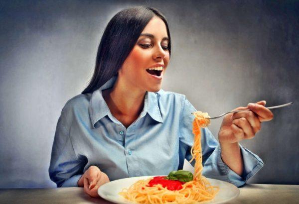 Переедание на диете имеет свои причины