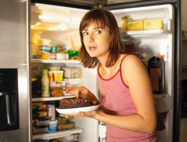 Превращать последний прием пищи в праздник чревоугодия не стоит.