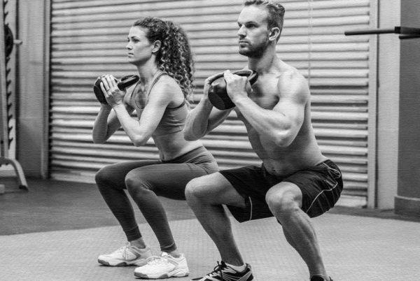 Начинающим спортсменам и желающих избавиться от лишних кг необходимо вначале сосредоточиться на простых базовых упражнениях