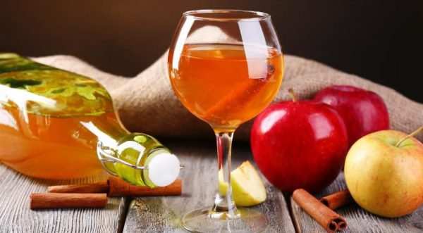 На яблоках и белом сухом вине