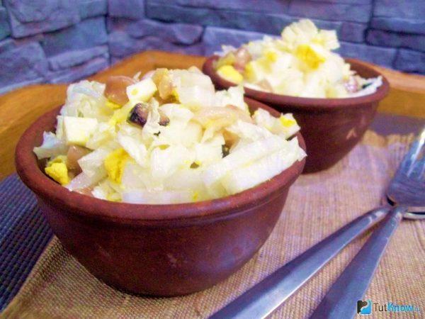 Салат фруктово-овощной с брынзой и йогуртом