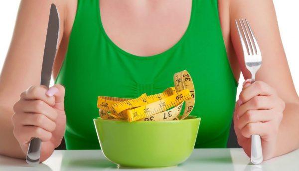 Сколько калорий в день нужно потреблять человеку