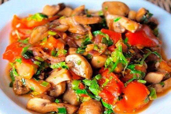 Овощное рагу с белыми грибами