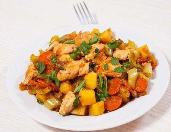 Филе курицы с овощами