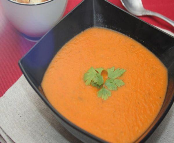 Суп-пюре из помидоров с сыром