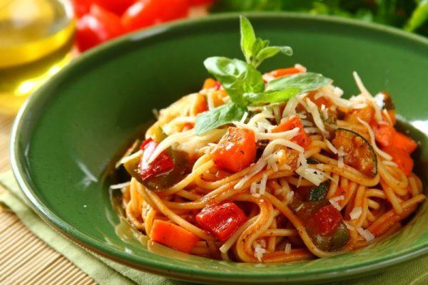 Спагетти с овощами: углеводный день