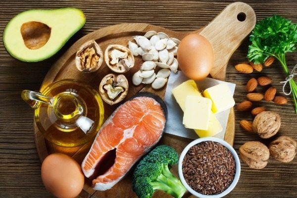 Зачем при диете употреблять жиры?