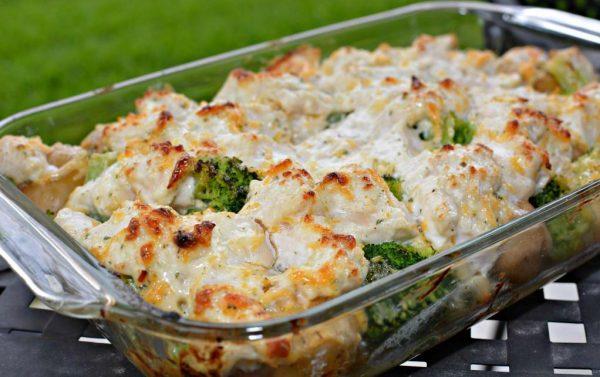 Запеканка с куриным филе и капустой брокколи