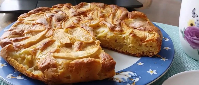 Пирог из геркулесовых хлопьев с яблоками