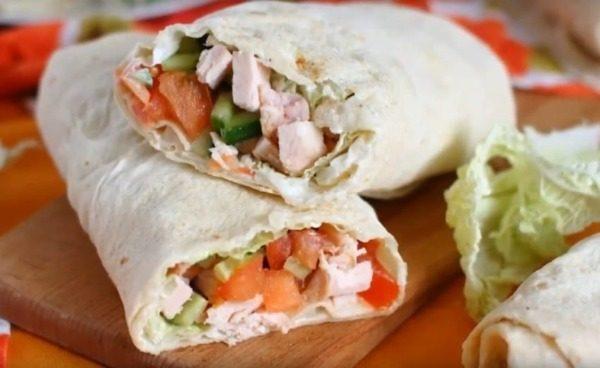 Диетическая шаурма с курицей: пошаговое приготовление, варианты соусов и начинок, калорийность